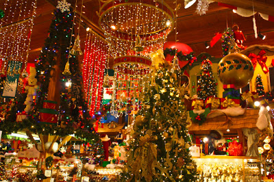 this is a great place to go if you want a really big christmas experience frankenmouth michigan is its home and the whole package is called michigans - Best Place To Go For Christmas