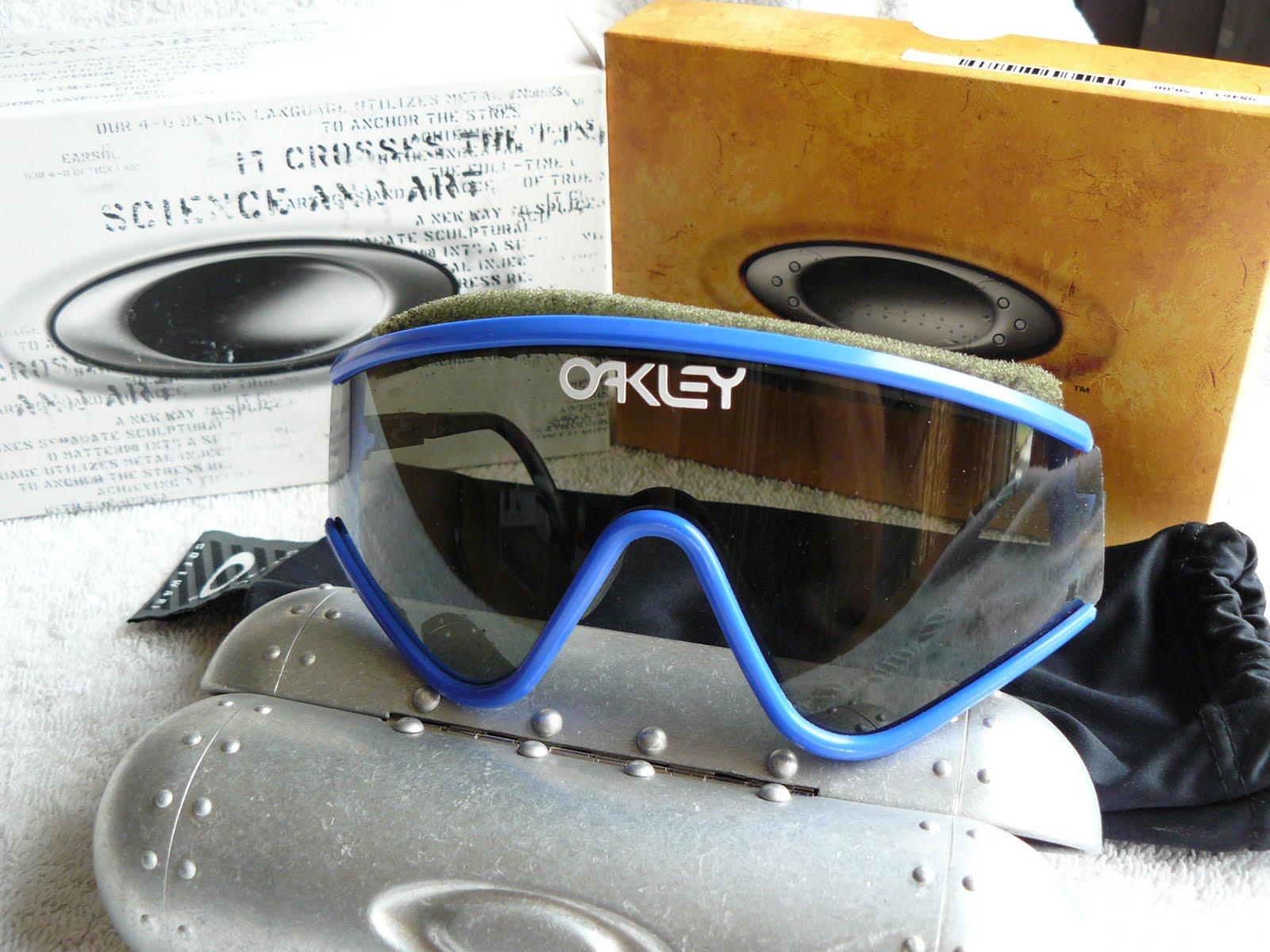 fc859ff96b75 Me and my Oakley: My Vintage Oakleys