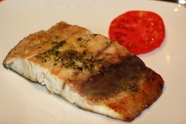 Lazy blog cinco ideas para cocinar con corvina for Cocinar pez espada a la plancha