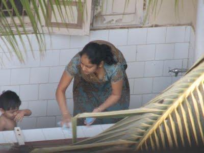 aunty washing