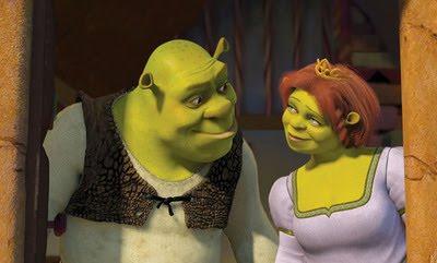 It Doesn T Even Look Like Shrek Changed His Shirt For Wedding But Fiona Looks Lovely In A Square Necked White Gown With Green Trim