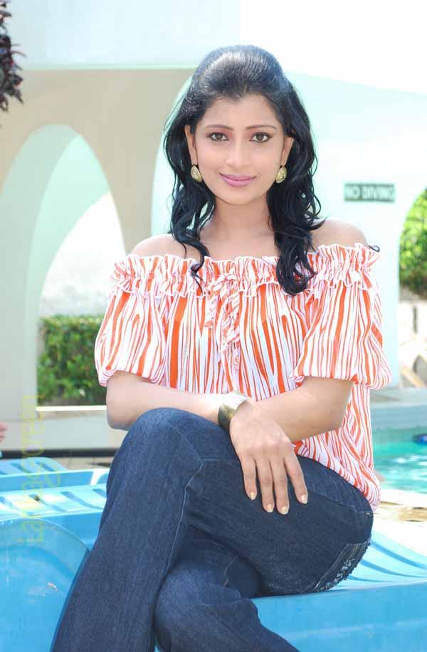 Sri Lankan Actress Nadeesha Hemamali  Sri Lanka Hot And -2760