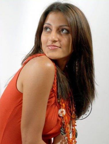hot top model: Sri Lankan Super Model Tharushis Cute