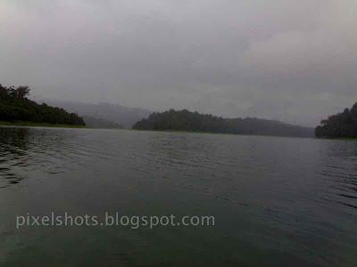sholayar-dam-reservoir,chalakkudy-dam-photos,dam-catchment-area