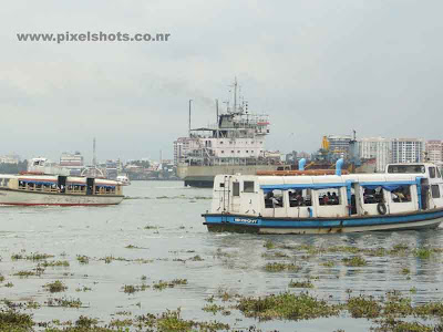 ship and boats picture from cochin.jpg