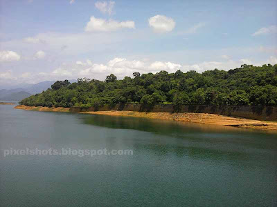 thenmala dam reservoir photos,monsoon time dam photos,western ghats dam photographs,KIP DAM,longest dam reservoir kerala,Shentharuni DAM, Kulathupuzha Kalthuruthi puzha river dam