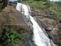 step waterfalls,palaruvy waterfalls photos and palaruvi tourism information,most visited waterfalls of kerala,waterfalls inside forests,waterfalls in kerala near to tamilnadu border,palaruvy photos information tourist enquiry phone number,entry pass rates,treakking informations,palaruvi visiting times,tourist attractions around palaruvi