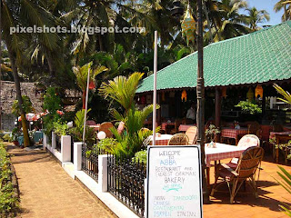 kerala beach cliff top hotels and resorts,hotels and resorts in Kerala beaches,varkala hotels,clifftop restaurants near indian beaches,kerala beach side hotels serving Chinese-continental-Italian-indian-israeli foods