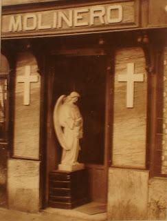 Mármoles Molinero. Una tienda de lápidas en pleno centro de Madrid