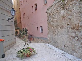 Un trozo de la muralla medieval de Madrid
