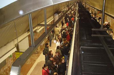 500 carteristas para 500 vigilantes de metro