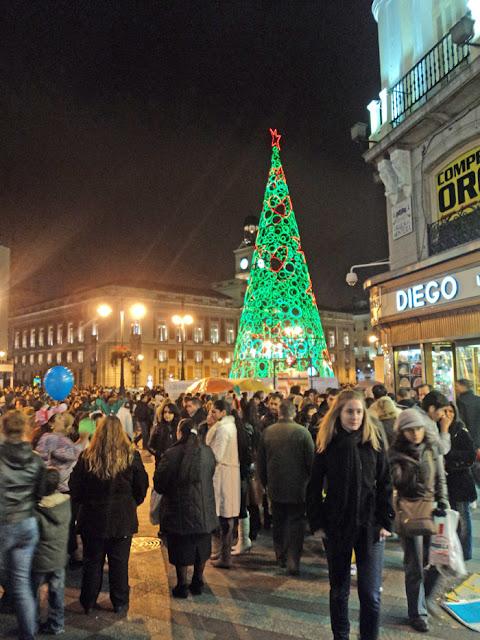 Primer ensayo de las campanadas de Nochevieja 2011- 2012 en la Puerta del Sol