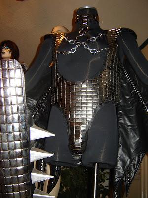Kiss Costumes Amp Boots Gene Simmons Deluxe Love Gun