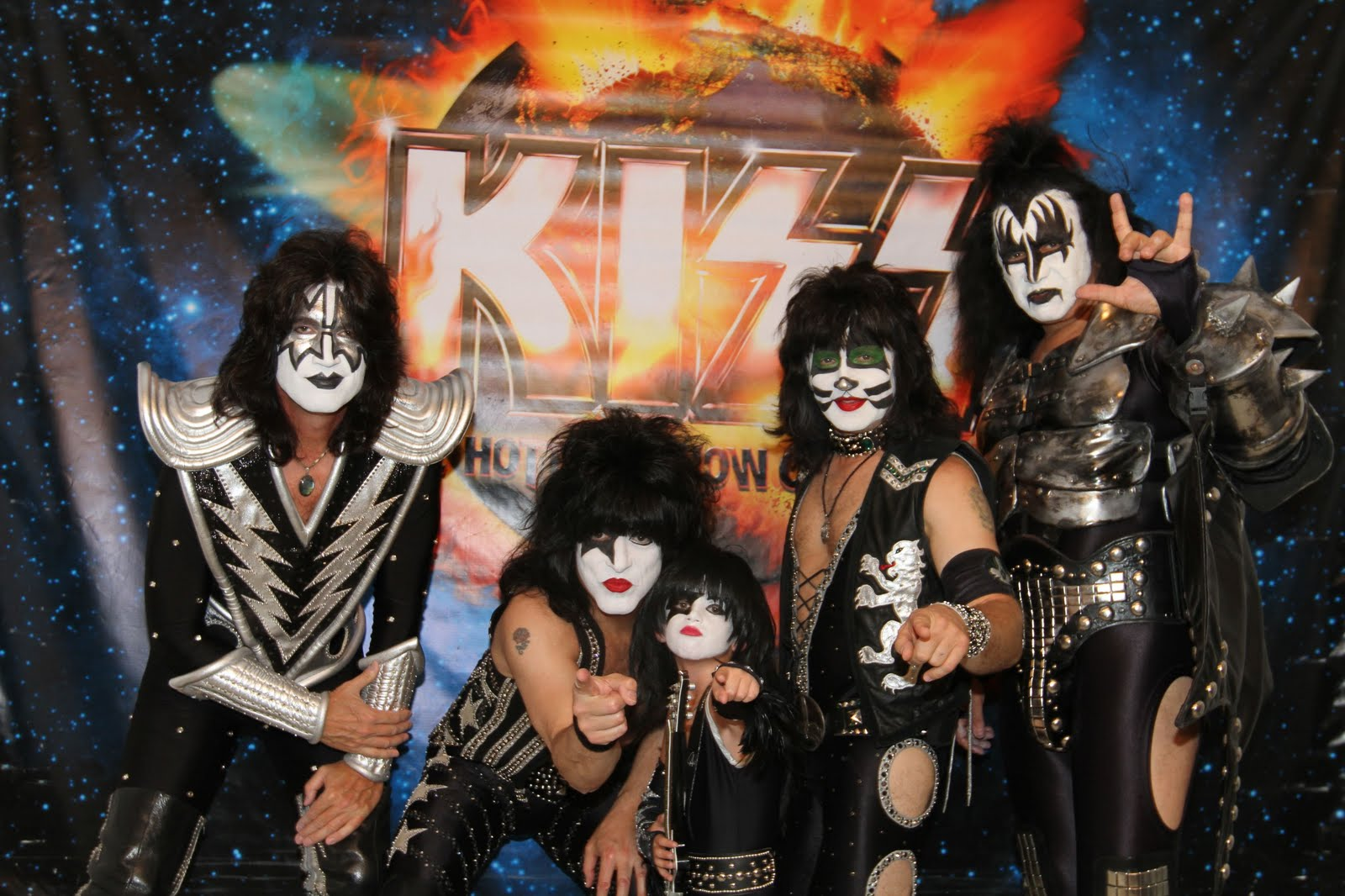 KISS COSTUMES & BOOTS: NOT ONLY HAPPY CUSTOMERS BUT THE ...