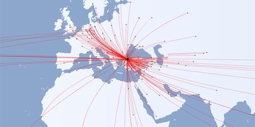 Harita üzerinde İstanbul Dış Hatlar uçuşlarının çizgilerle gösterimi