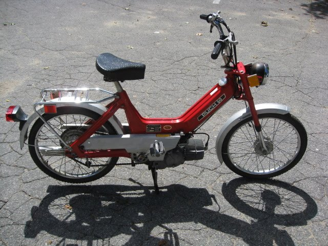 Mustache Machines: Moped #12: 1976 Puch Maxi N