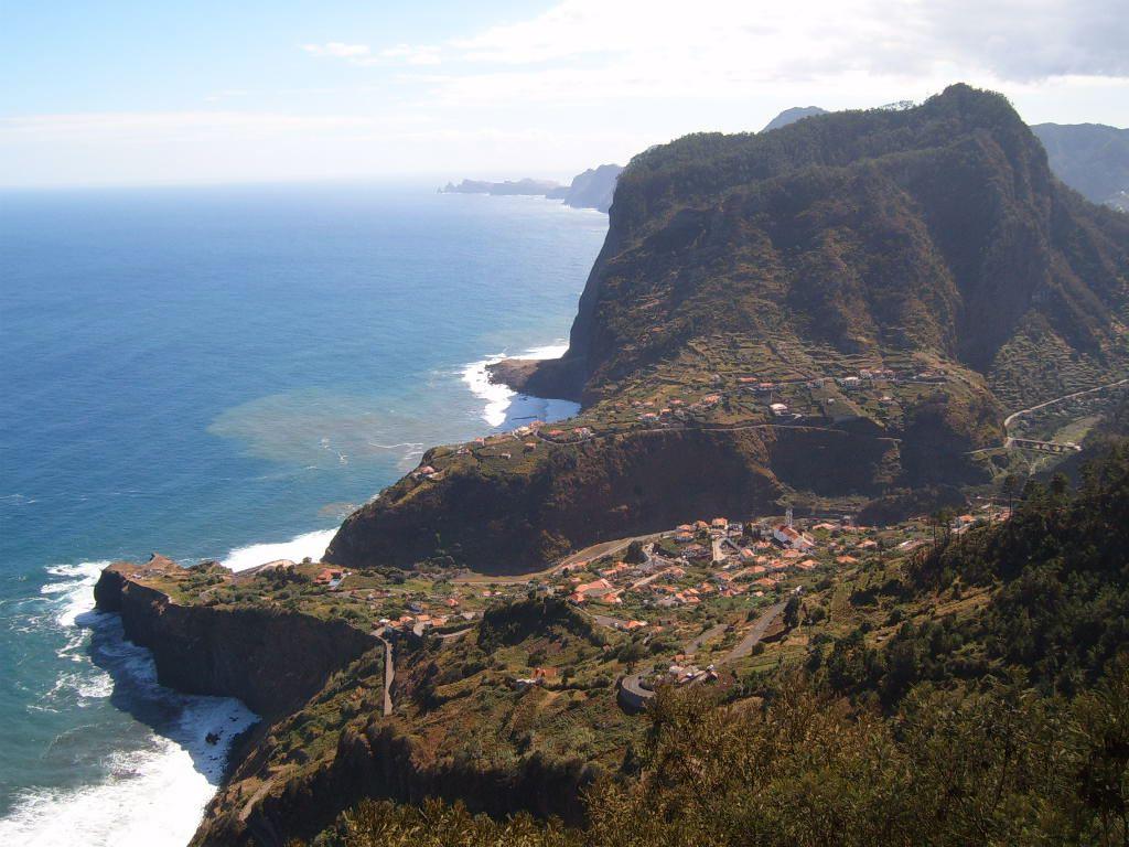 Madeira Lennot Peruttu