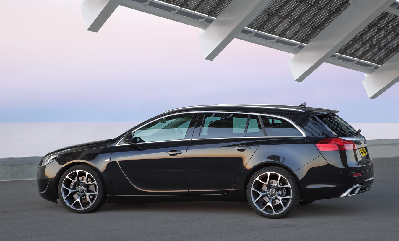 Road Car Pictures 2010 Opel Insignia Opc Sports Tourer