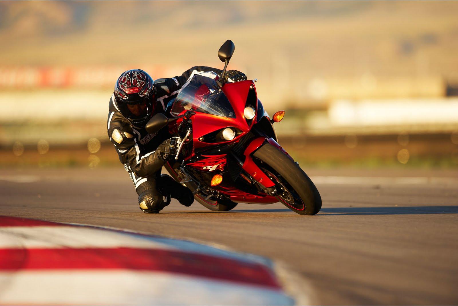 gambar motor sport yamaha terbaru 2011 yzfr1