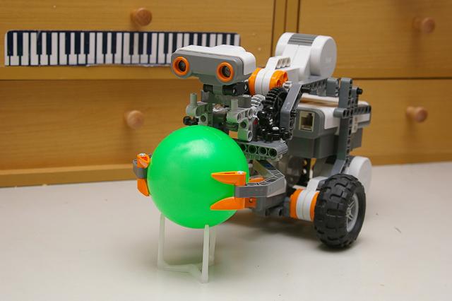 樂高 Lego 與 Arduino 機器人: 樂高 NXT 搜尋分類機器人(一)