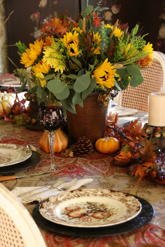 Vignette Design A Traditional Thanksgiving Table