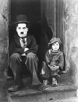 http://3.bp.blogspot.com/_RzHkz2Cw6_g/R27mDAwiunI/AAAAAAAAEUU/OJRdiuml7WM/s400/250px-Chaplin_The_Kid.jpg
