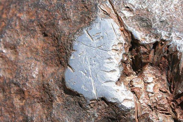 [Image: hoba-meteorite9%255B6%255D.jpg]
