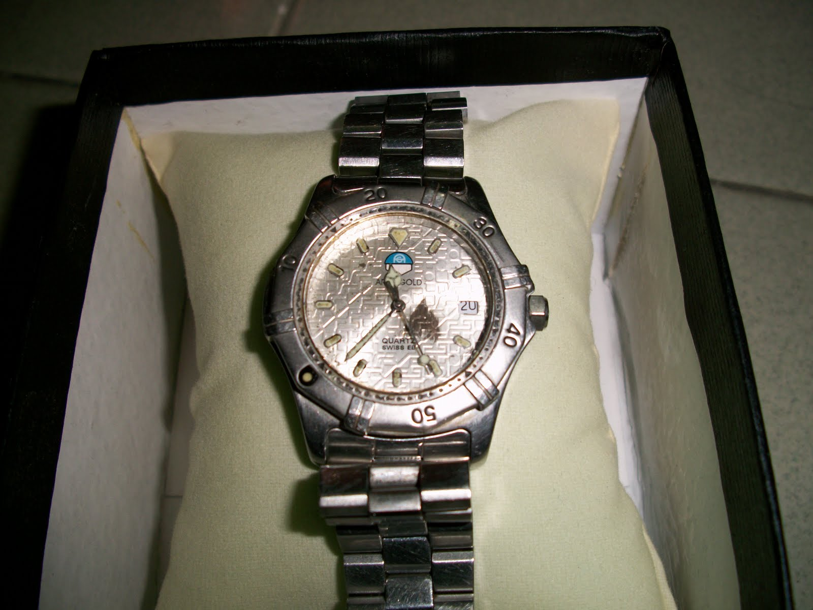 collectible items: Swiss Aries Gold Boy's size watch