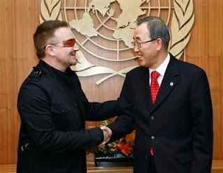 Bono en la Naciones Unidas con Ban Ki Moon
