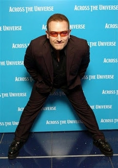 Bono en la premier de Across The Universe 1