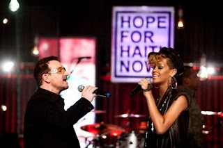Bono y Rihanna en Hope for Haiti Now