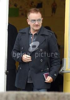Bono votando Elecciones europeas