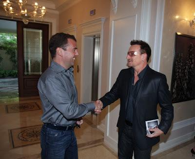 Bono se reune con el presidente Ruso Dmitry Medvedev 2