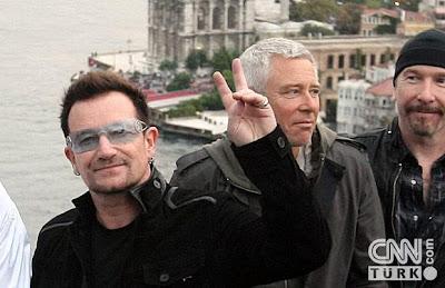 U2 en el Puente del Bosforo 1