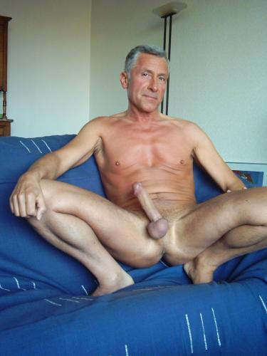 Hung gay mature men