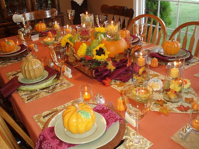 Tikio 39 s english thanksgiving - Thanksgiving dinner table decorations ...