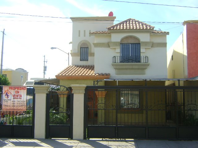 Ac Ariel Vende Zona Dorada Casa Blanca Un Millon 250 Mil