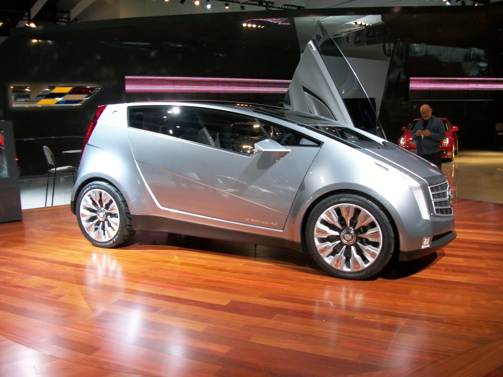 Car And While The Overall Look Is Less Than Smart Concept Itself Thought Provoking Makes Us Truly Wonder What Nice People At Cadillac