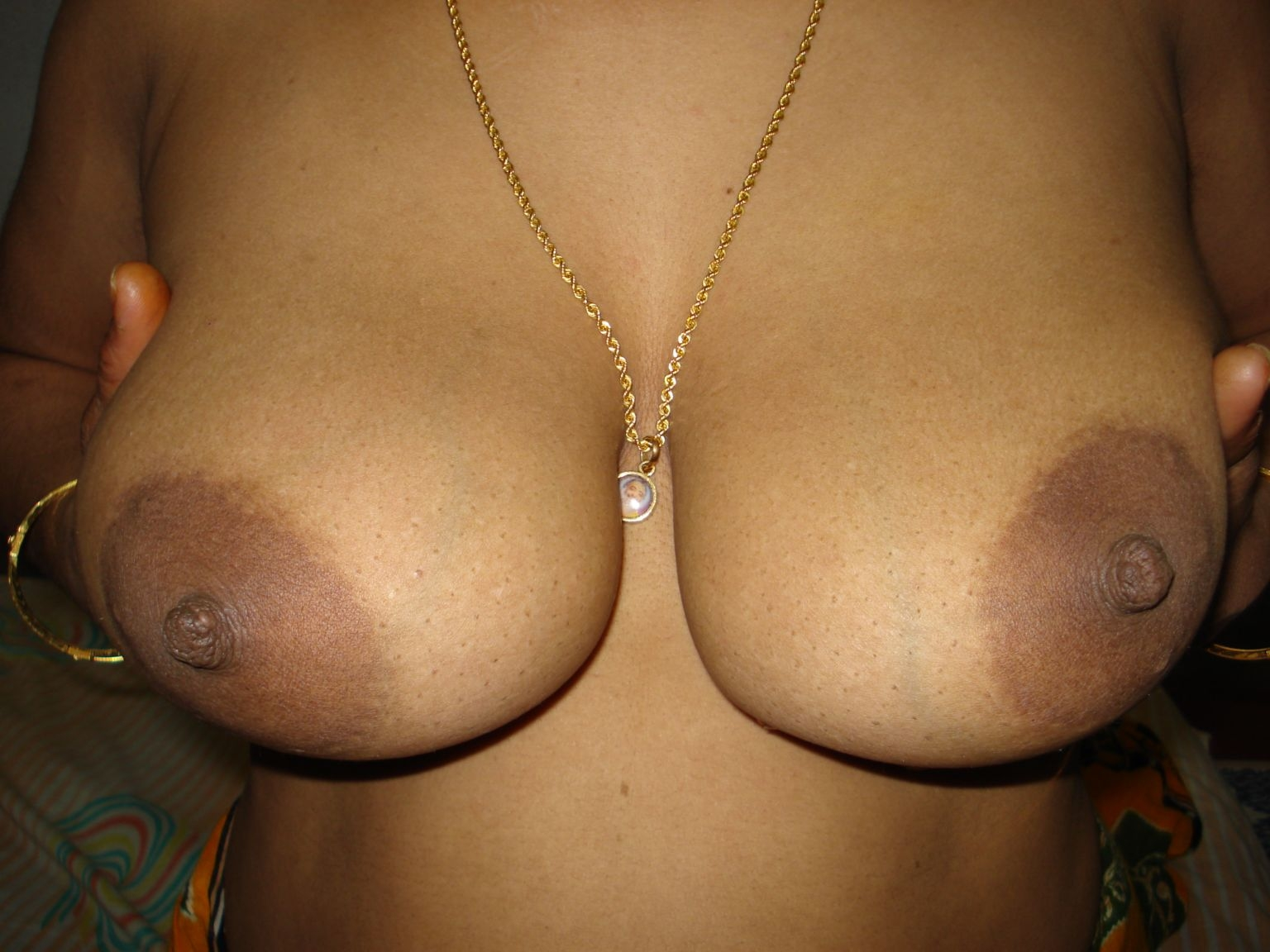 Indian Aunty Big Boobs Topless-4900
