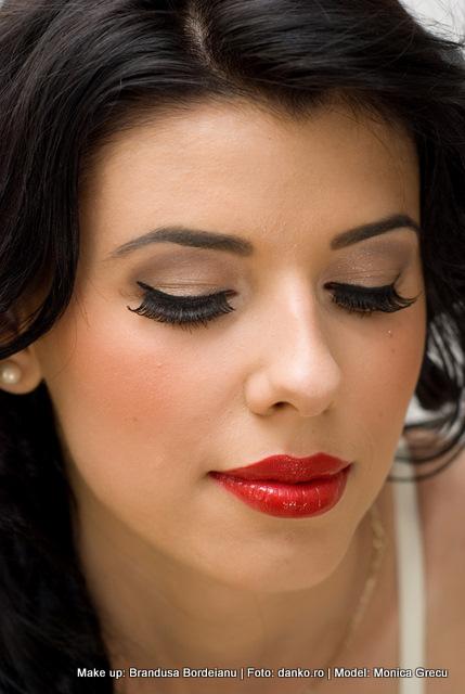 Bb Professional Make Up Artist Iasi Machiajul Retro Un Machiaj De