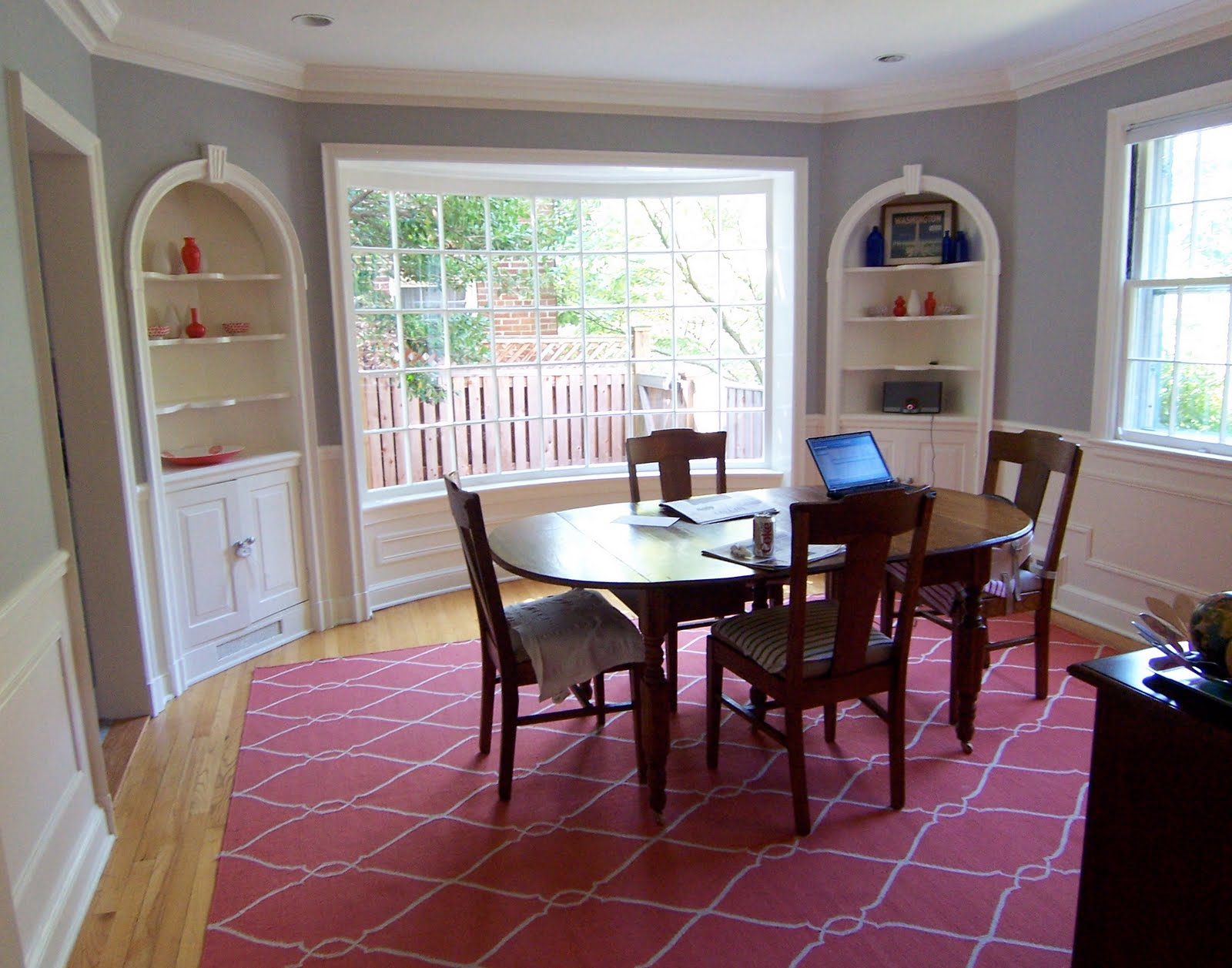 Cheerful gray dining room: Benjamin Moore's AC-28 Smoke Embers ...