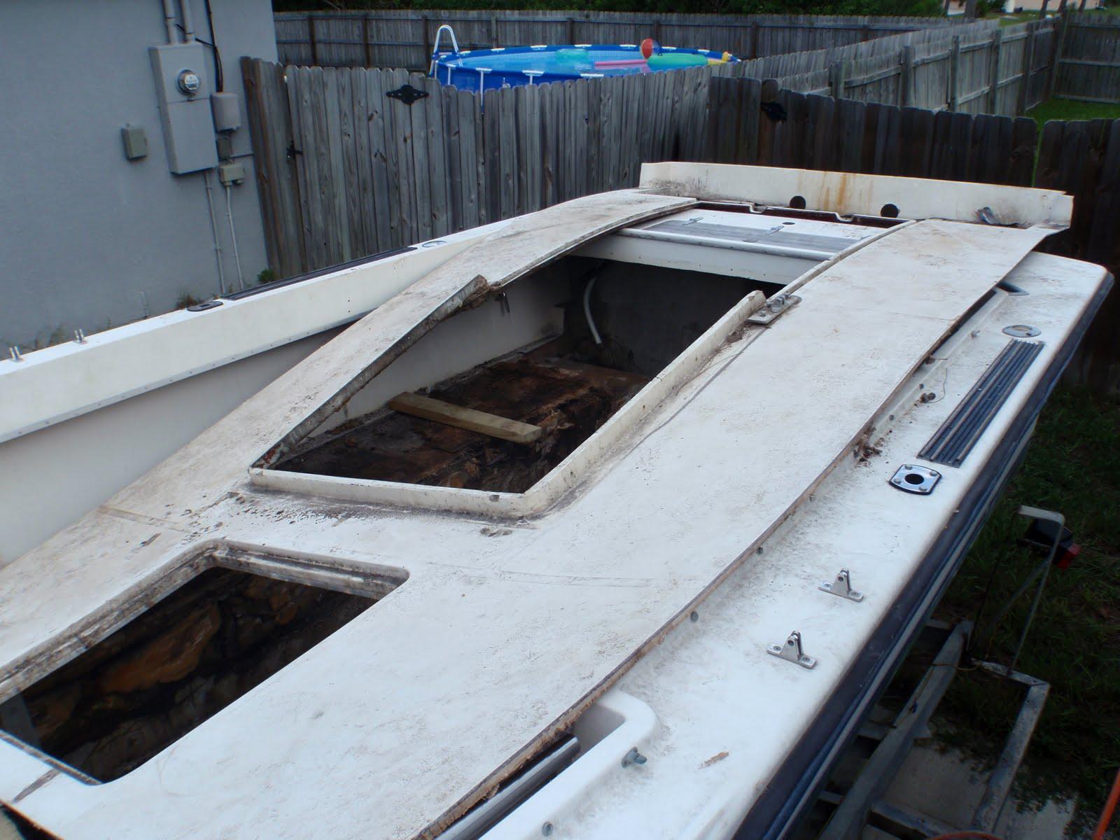 1981 23 Fish Nautique Restoration Floor Comes Up