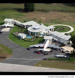 Ngintip rumahnya artis John Travolta