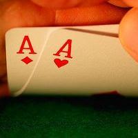 Probabilidad de recibir dos ases en la primera mano jugando Texas Holdem Poker
