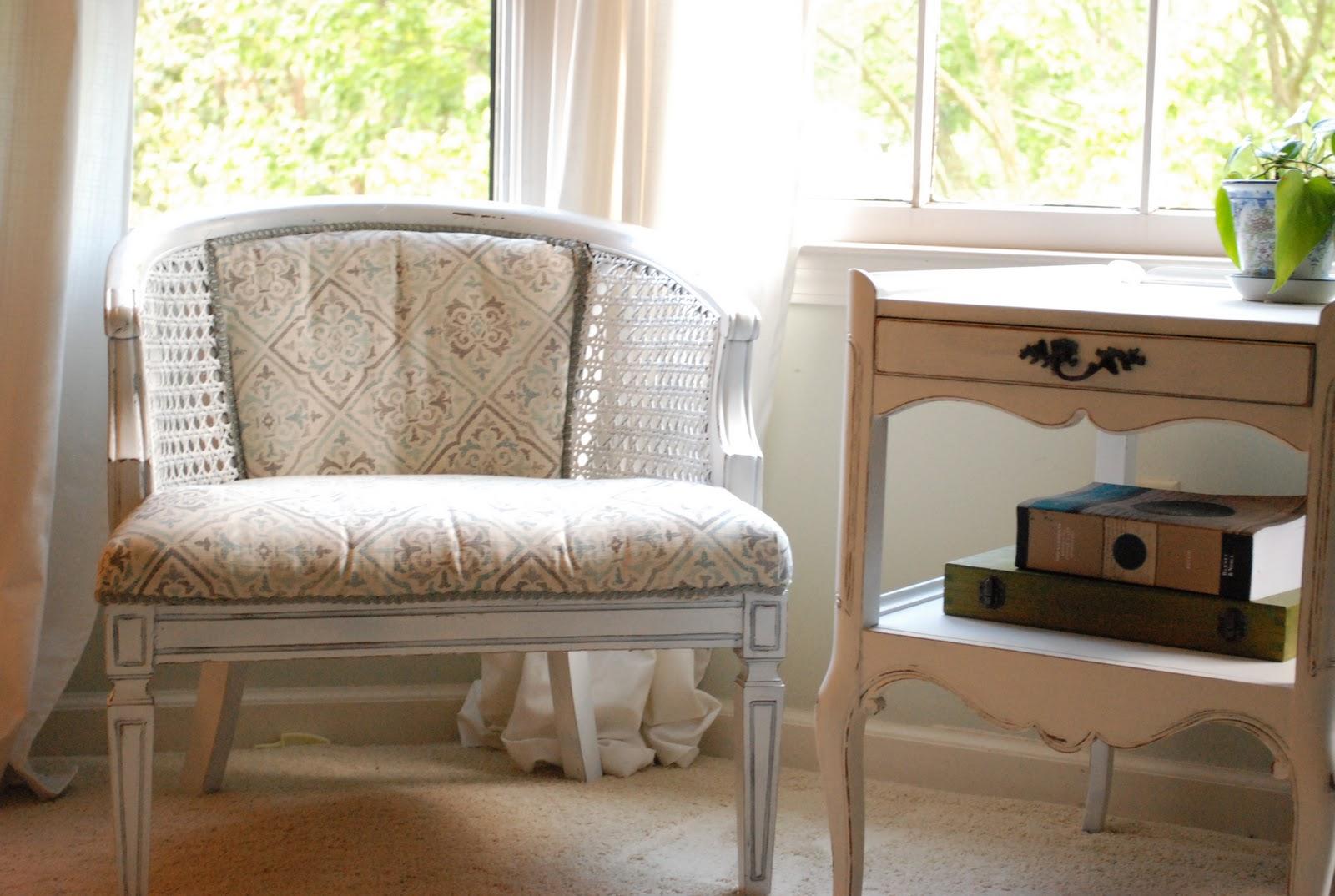 http://3.bp.blogspot.com/_StPPNXKF8GQ/TKNMmVSvlCI/AAAAAAAAAwA/d6bngYgrOEA/s1600/furniture+186.jpg