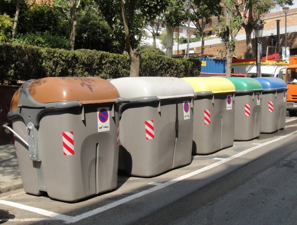 IMAGE(http://3.bp.blogspot.com/_SzunzvqayoE/TGmTdnPpfYI/AAAAAAAAGGg/HWlnwdCIt7c/s1600/barcelona+garbage+cans.jpg)