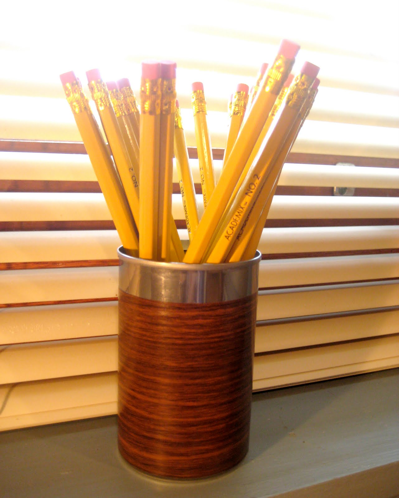 Junk Mail Gems: DIY Woodgrain Pencil Holder from Recycled ...