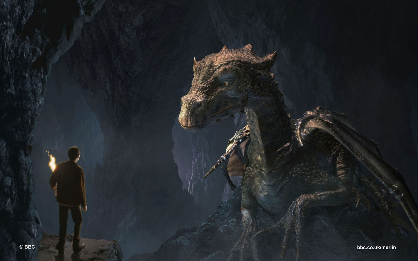 Merlin Dragon: ANY BBC MERLIN FANATICS?