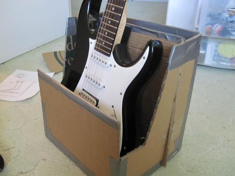Imagenes De Homemade Cardboard Guitar Stand