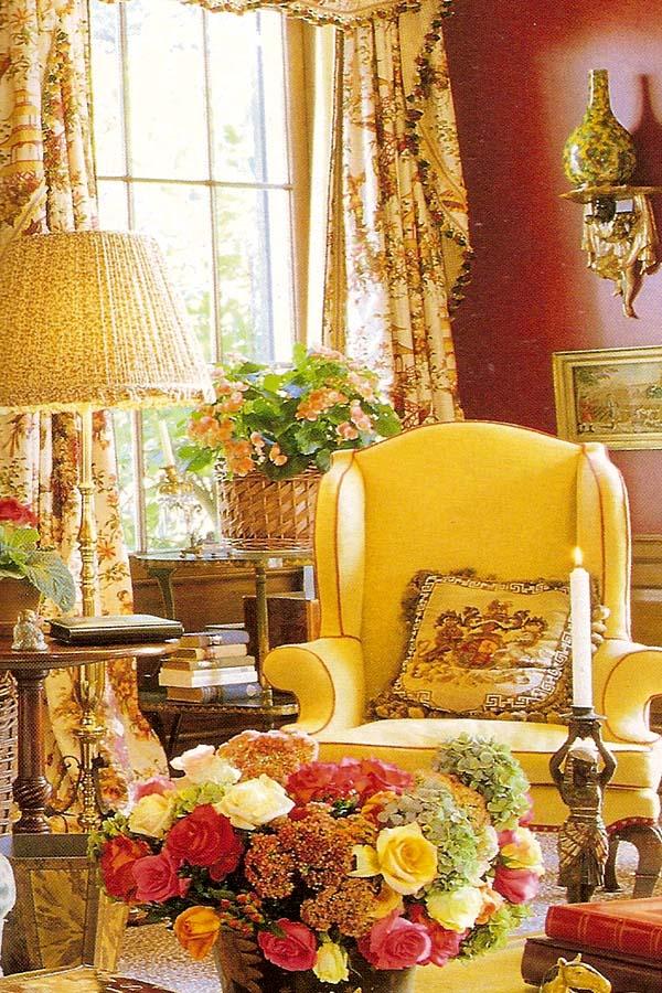 Romantic Living Room: Picture Of Elegance Blog: Mario Buatta's Romantic Interiors